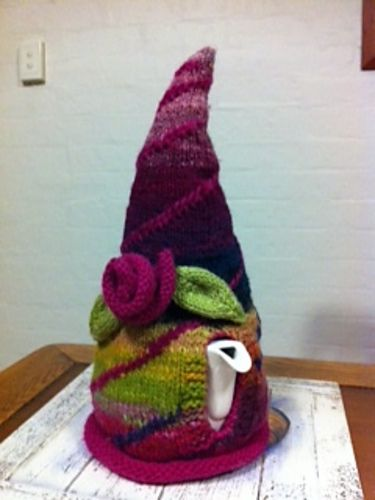 Ravelry: AlexRichards' Sturt Knitting School project - Tea Cosy