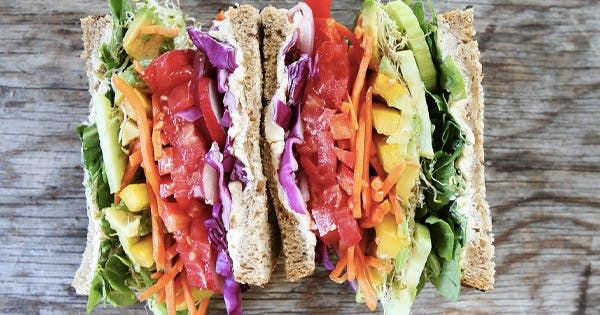 15 Gorgeous Clean-Eating Lunches That Will Keep You Full Until Dinner #purewow #sandwich #salad #food #lunch #healthy #recipe