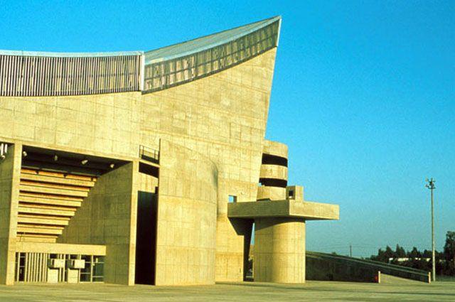 AIANY-SaddamHusseinGymnasium-Photo-Rifat Chadirji.jpeg (640×425)