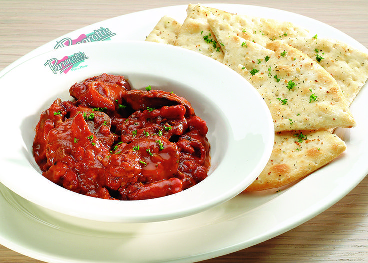 Chicken Livers. Chicken livers, onions and bacon, in a creamy peri-peri sauce, served with garlic pizza bread | Panarottis http://www.panarottis.co.za/ourmenu/tostart