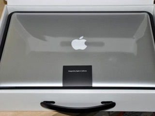 New cologne duplicates smell of newly unboxed Apple gadgets