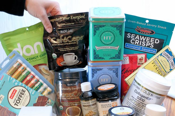 The holidays are a wonderful time for givinggifts. But sometimes it can get tiring giving the same old types of gifts year after year. That's why giving a gift basket can make such a great