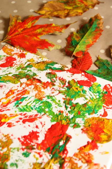Create with your hands: Toddler Art: Autumn Leaf Printing