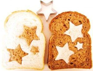 Süße Idee für Kinder Brot mit Sternchen als Überraschung für das Pausenbrot. Noch mehr Ideen gibt es auf www.Spaaz.de