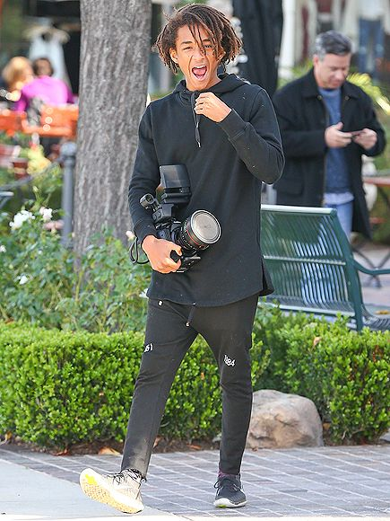 Star Tracks: Monday, January 5, 2015 | CAMERA READY | Jaden Smith sports a camera as an accessory while hanging out in Calabasas, California, on Sunday.