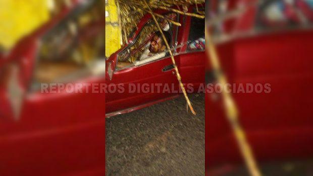 Unhombre es prensado durante accidente en la carretera Tierra Blanca-Ciudad Alemán - http://www.esnoticiaveracruz.com/un-hombre-es-prensado-durante-accidente-en-la-carretera-tierra-blanca-ciudad-aleman/