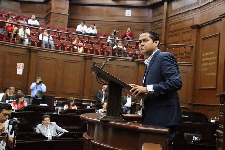 Sólo de esa forma puede funcionar el sistema anticorrupción en Michoacán, aseveró el diputado de Movimiento Ciudadano, quien también llamó a ciudadanizar las contralorías y todos los órganos fiscalizadores para ...