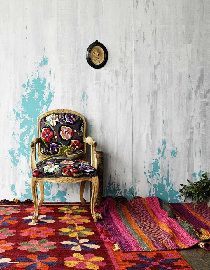 Cadeiras coloridas! Veja: http://www.casadevalentina.com.br/blog/detalhes/cadeiras-coloridas-2962  #decor #decoracao #interior #design #casa #home #house #idea #ideia #detalhes #details #style #estilo #casadevalentina #color #cor #cadeira #chair