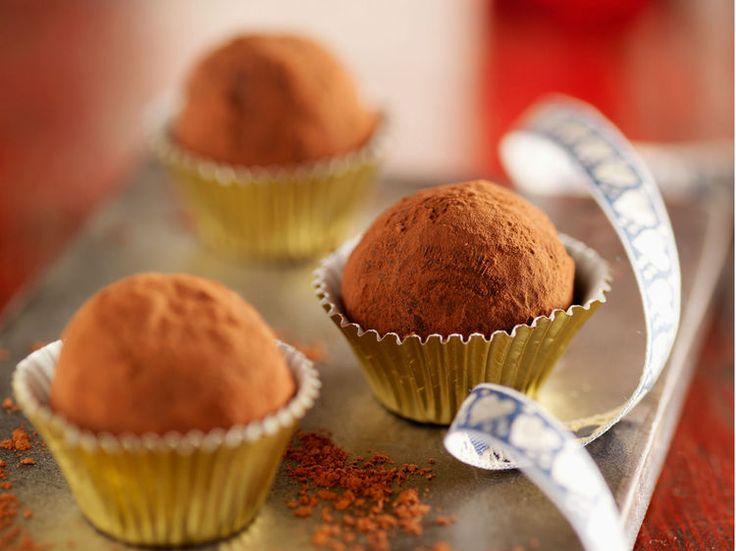 Avec les lectrices reporter de Femme Actuelle, découvrez les recettes de cuisine des internautes : Truffes au café