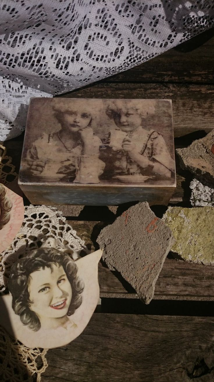 Na starej ławce : Tajemnicze damy :)))