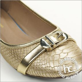 She is elegant, decorative, and trendy. She is Patricia. Sizes: 3 - 7 Colour: Tan, champagne or black