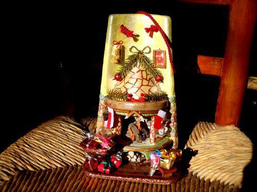 caminetto natalizio su tegola