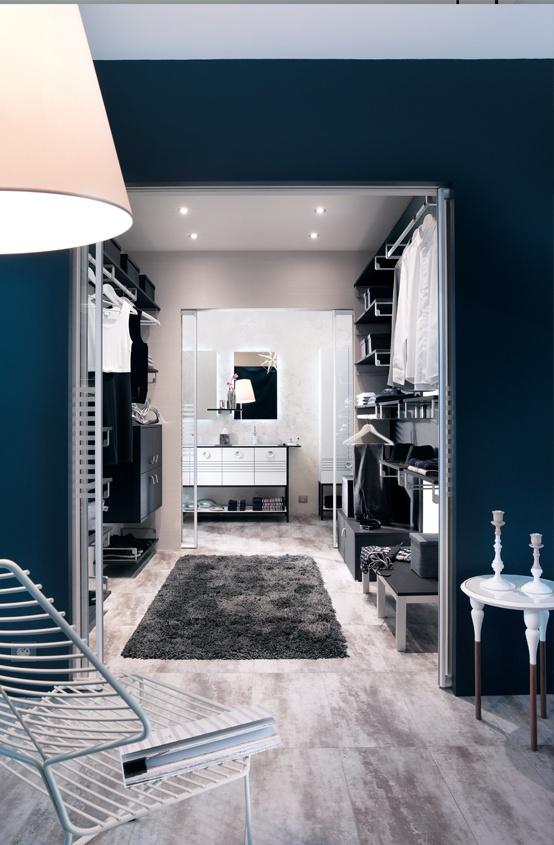 De la salle de bains à la chambre, un dressing traversant pour d'infinis moments de bien-être.