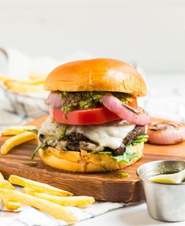 BEST Portobello Mushroom Burger! An easy balsamic marinade adds an incredible flavor …   – Recipes