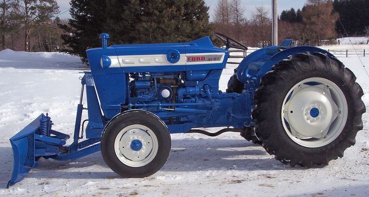 1248 best tractors images on pinterest farming ford for Ford motor company description