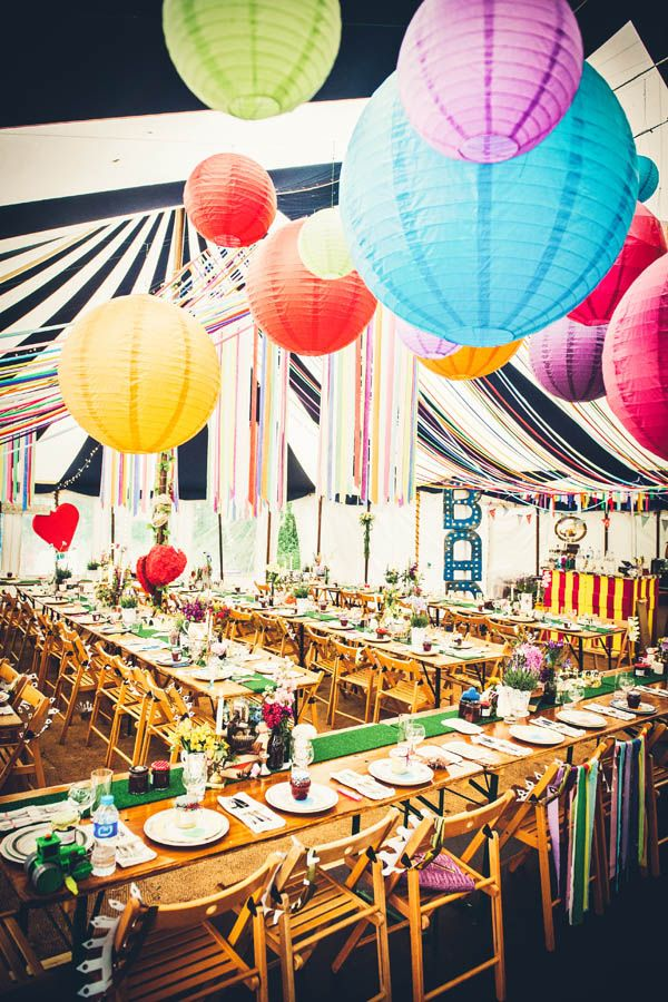 beach colourful marquee cornish wedding sarah doug part - Bon De Reduction Decoration De Mariage