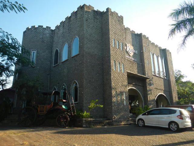 Ada Kastil di Surabaya