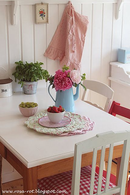 sweet cottage kitchen