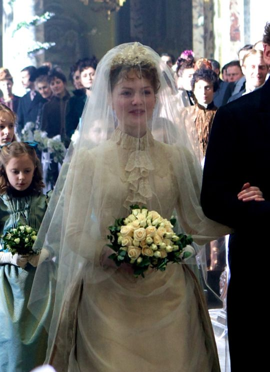 Holliday Grainger as Suzanne Rousset in Bel Ami (2012)