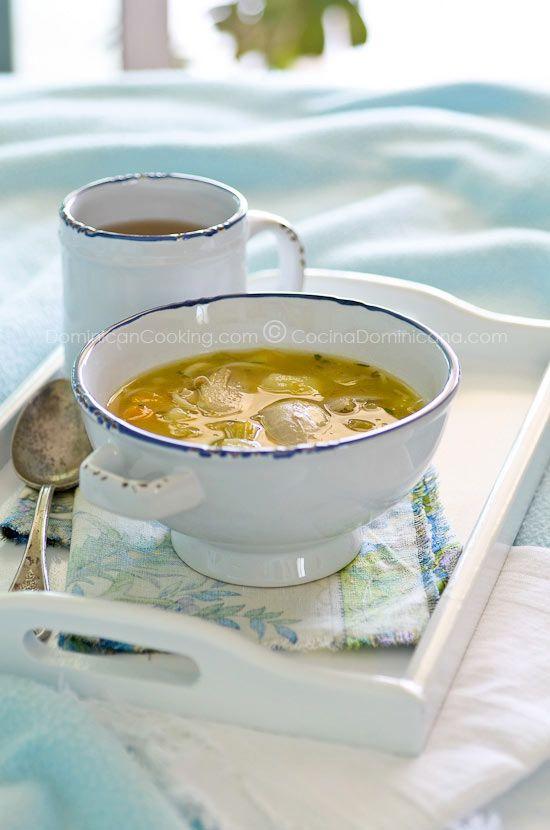 Receta: Caldo de Gallina Vieja (o Pollo) Dominicano