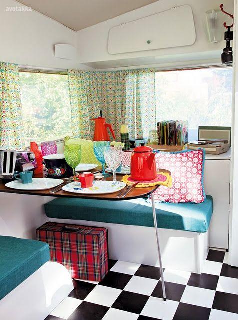 caravan: Vintage Trailers, Caravan Ideas, Floor, Vintage Caravans, Retro Caravan, Travel Trailers, Boy, Vintage Campers
