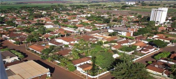 Você conhece Centralina? Se não, agora vai saber que a Políticos brasileiros? ponham as suas barbas de molho! Namastê  e paz profunda.pequena cidade de 10 mil habitantes que fica a 669 quilômetros de Belo Horizonte, em Minas Gerais, tem tudo para ser um grande exemplo para o Brasil.