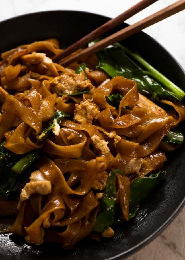 Pad See Ew – Thai Stir Fried Noodles