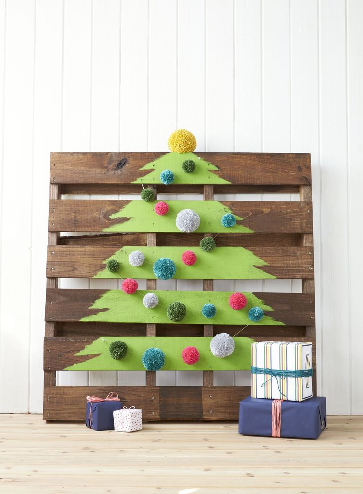 Best 25 Pallet Tree Ideas On Pinterest Pallett Christmas Tree Wood Christmas Tree And Pallet