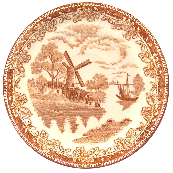 Scanned from a gorgeous thrift store plate