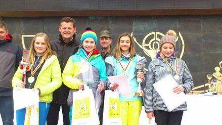 In den Semesterferien hatten wieder zahlreiche #Kinder aus #Klagenfurt die Möglichkeit, an einem vom #Militärkommando Kärnten bestens organisierten Schikurs auf der 'Turracher Höhe teilzunehmen.