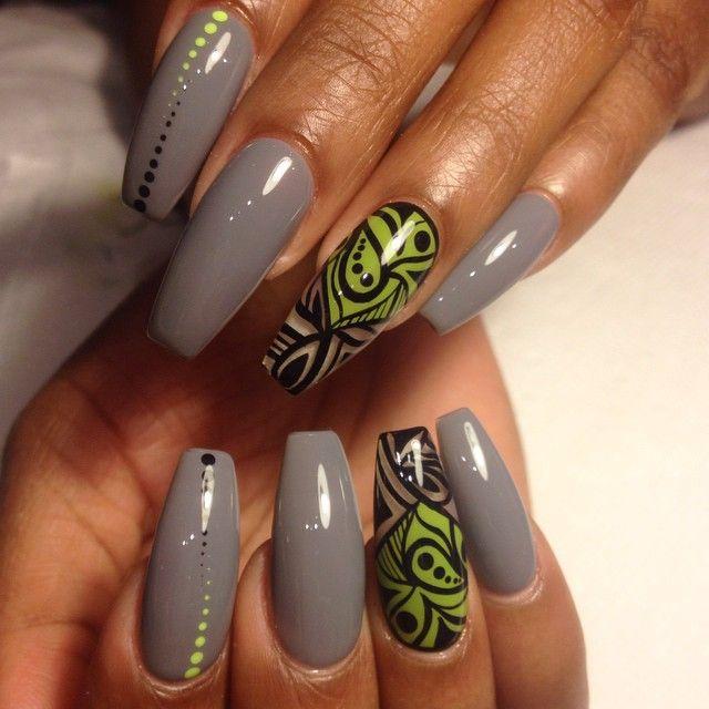 Hatte eine lange Nacht #ConVo mit meinem Bugga Boo #artisticcolourgloss #gelpolish #color #confidence #limegreen #abstractanddots #Refill $ 45