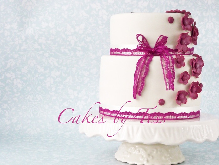 Cakes by Tess: Vintage violet and ivory
