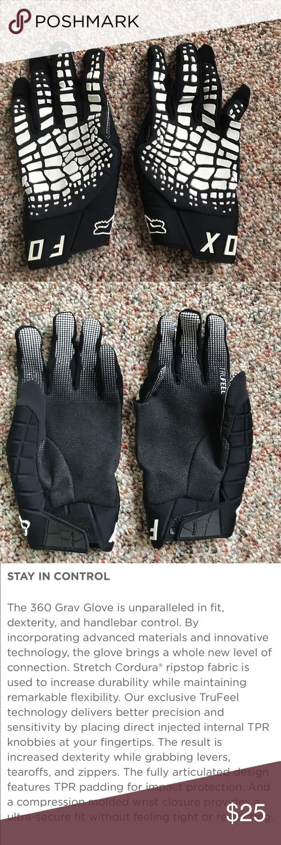 Fox Motocross Gloves 🦊 Brand new. Never worn. Men's size small. I have tiny hands and they fit perfect Fox Accessories