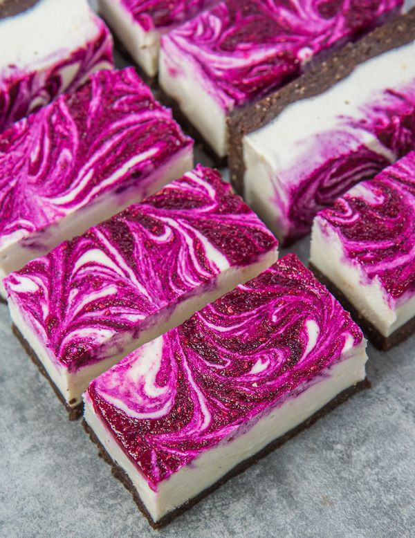 vegan drangonfruit cheesecake bars