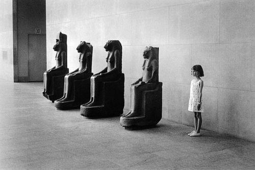 Elliott Erwitt. Metropolitan Museum of Art, New York, 1988
