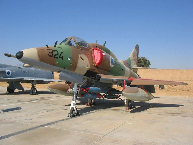 A-4N: 117 A-4Ms modificados para la Fuerza Aérea Israelí.