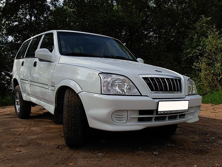 TagAZ Road Partner (a Russian-built SsangYong Musso)