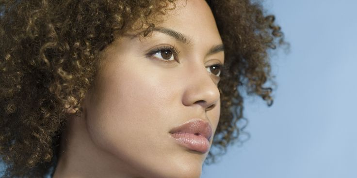 Quels sont les risques liés à l'acné sur une peau foncée ?