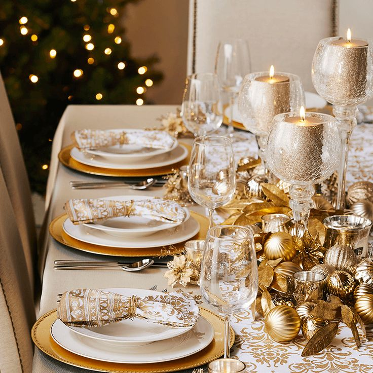 Dazzle your guests this Christmas with our elegant Glitz look.