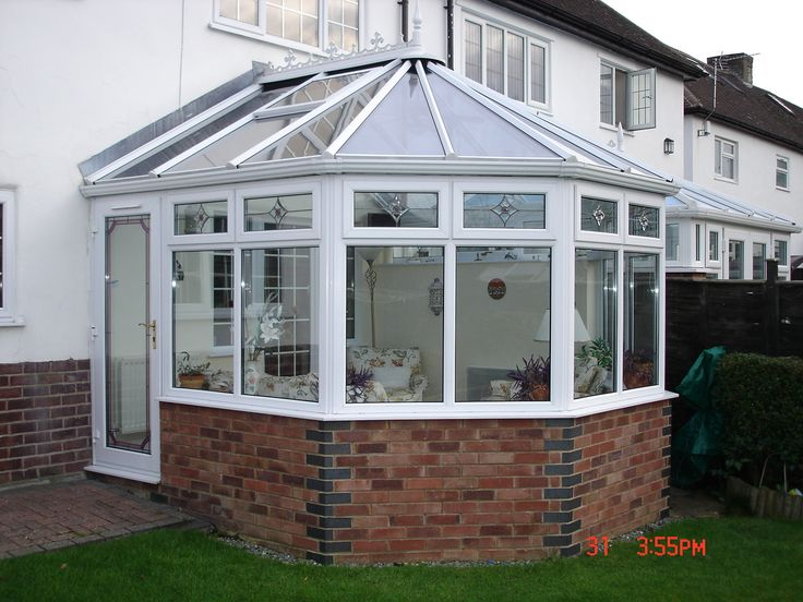 A Victorian design with a Comfort Glass roof to keep cool in summer & warm in winter.