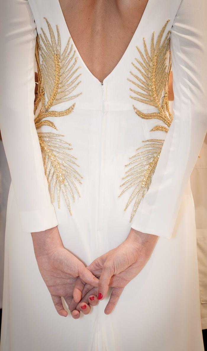 Preciosos detalles del vestido de novia de Diana, obra de Roberto Diz (Foto,  Molina + Royo Fotógrafas)