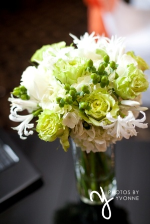 White nerine lilies. green roses, white hydrangea, green hypericum berries wedding bouquet by www.beautifulbloomsbyjen.com and photo by www.photosbyyvonne.net