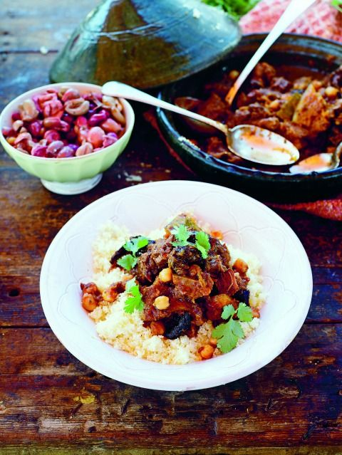 Jamie Oliver's Beef Tagine for a Middle Eastern #SundaySupper on the blog Shockingly Delicious. #beef #recipe