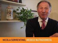 Una settimana di dieta dell'acqua del dottor Sorrentino basterà a farci diventare come le sue celebri clienti, da Monica Bellucci a Ilary Blasi? No, ma ci farà perdere più di un chilo. Ecco lo schema della dieta dell'acqua.
