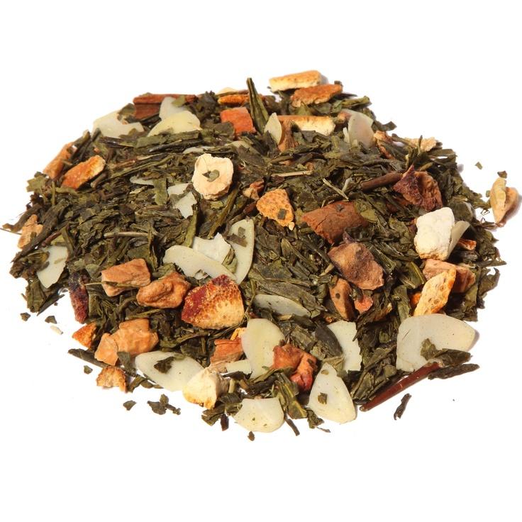 Té Verde con Almendra. Se dice que el té verde limpia el alma, en la medicina tradicional del lejano oriente se considera como medio curativo contra muchos males corporales y psíquicos. El té verde al no fermentar conserva intactos los componentes vitamínicos, antioxidantes y medicinales existentes en las hojas. El té verde contiene vitaminas A, B, B12 y C e importantes minerales como potasio, calcio o floruro, al igual que antioxidantes en grandes cantidades.