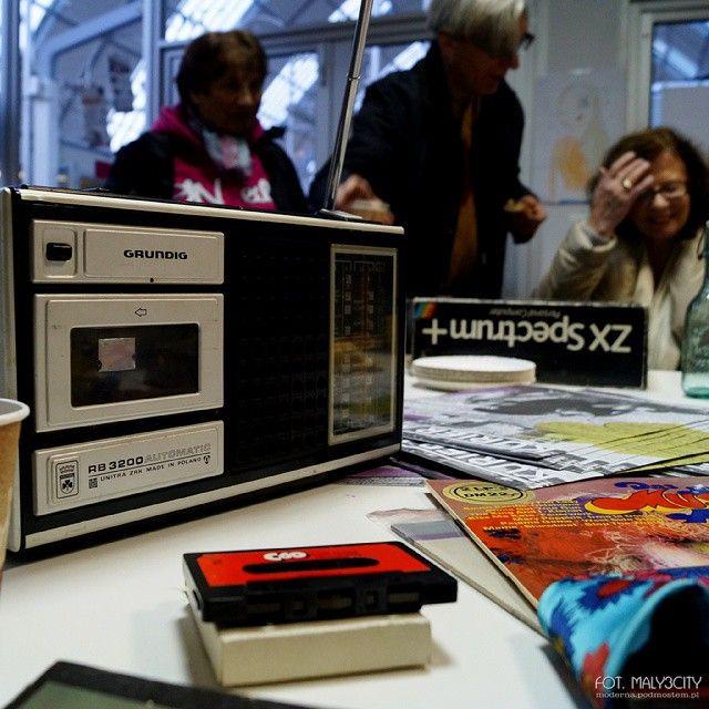 "@haletargowegdynia ""Zakupy sentymentalne"" #radiomagnetofon #Grunding #RB3200 #ZRK #Unitra #magnetofon #radio #komputer #ZXSpectrum #tape #taperecorder #Gdynia #haletargowegdynia #igerspoland #igersgdansk #igersgdynia #maly3city"