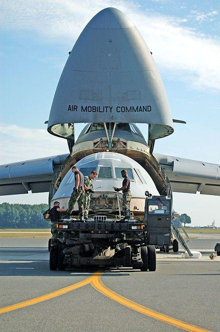 Lockheed C-5 Galaxy - Wikipedia