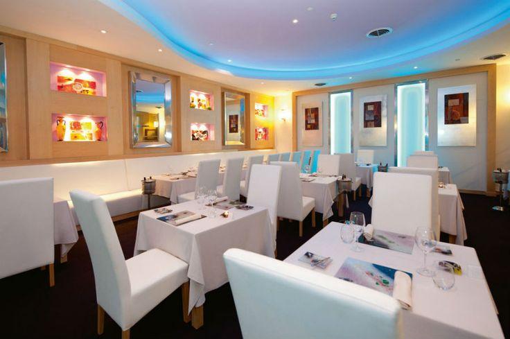 Riu Palace Paradise Island Hotel   Bahamas All Inclusive Vacations - RIU Hotels & Resorts - Krystal restaurant - fusion food restaurant