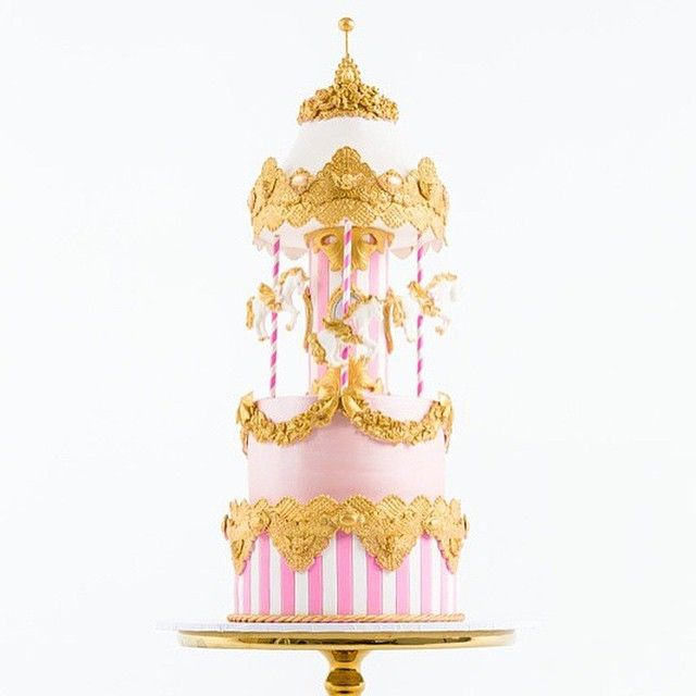 Wow! Check out this incredible carousel cake from @scarletjadeaustin!