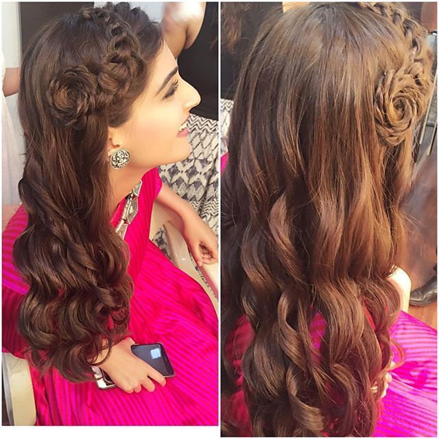 sonam kapoor hair do. love it to the core.